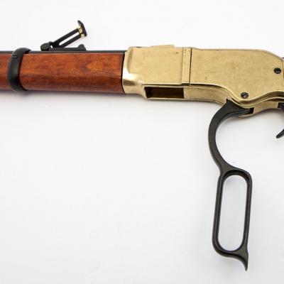 Réplique factice carabine modèle Winchester USA 1866